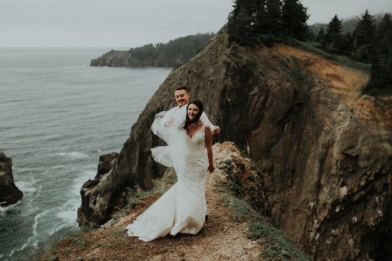 oregon coast elopement photographer